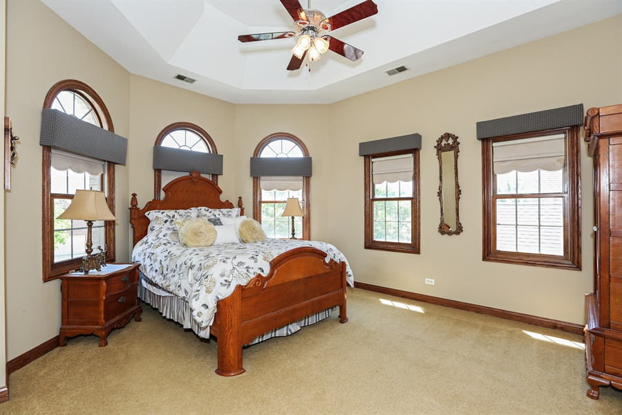 Real Estate Photography - 816 timber ridge court, westmont, IL, 60559 - Master Bedroom