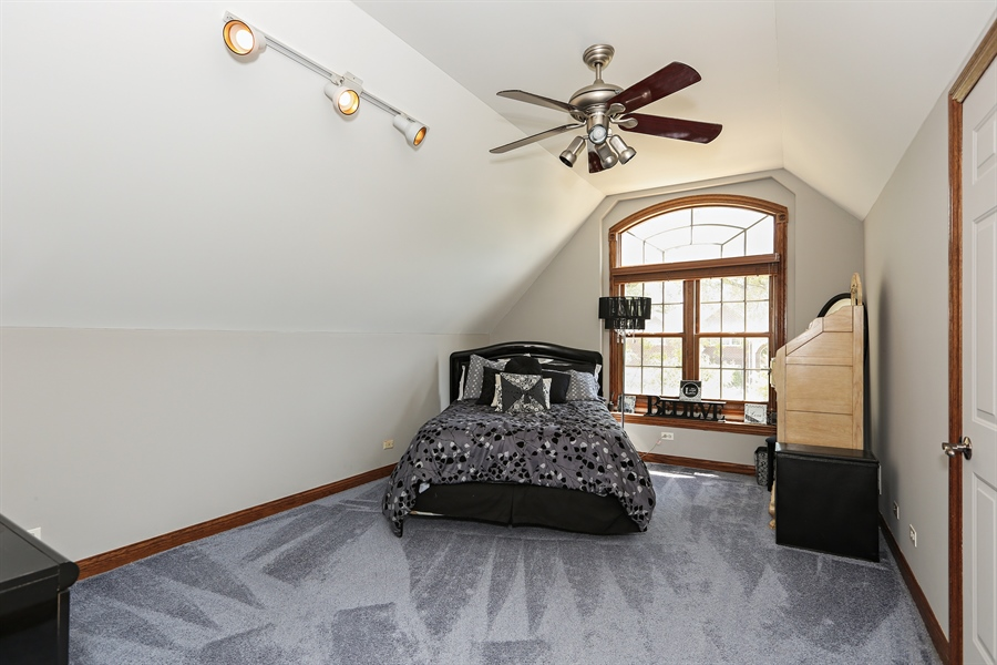 Real Estate Photography - 816 timber ridge court, westmont, IL, 60559 - 3rd Bedroom