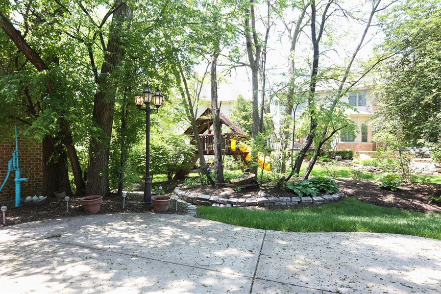 Real Estate Photography - 816 timber ridge court, westmont, IL, 60559 - Back Yard