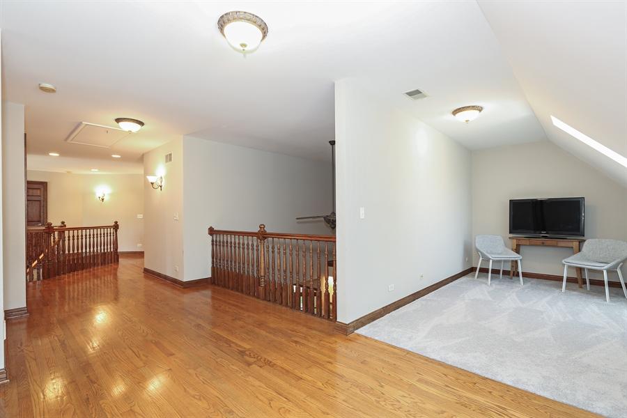 Real Estate Photography - 816 timber ridge court, westmont, IL, 60559 - Loft