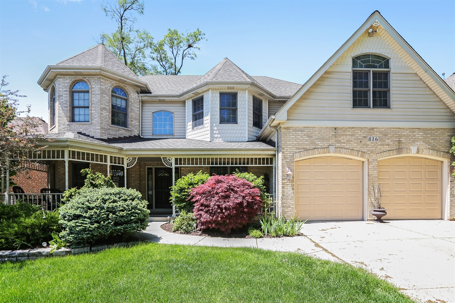 Real Estate Photography - 816 timber ridge court, westmont, IL, 60559 - Front View