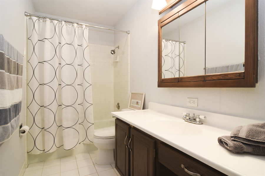 Real Estate Photography - 2 Pine Valley Rd, Rolling Meadows, IL, 60008 - Bathroom