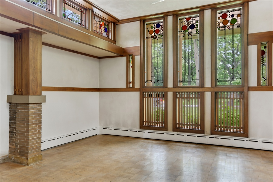 Real Estate Photography - 350 Fairbank Rd., Riverside, IL, 60546 - View