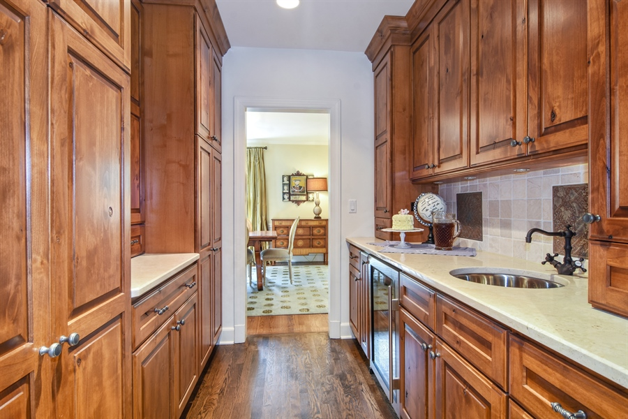 Real Estate Photography - 454 Banbury, Arlington heights, IL, 60005 - Location 4
