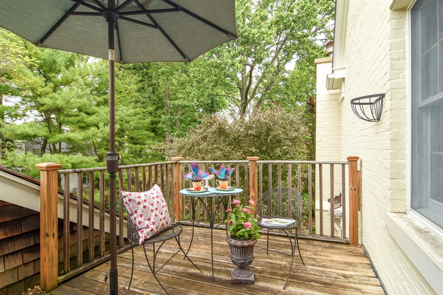 Real Estate Photography - 454 Banbury, Arlington heights, IL, 60005 - Balcony