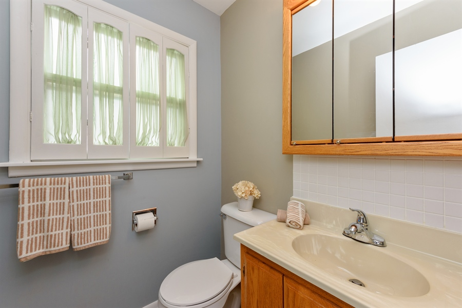 Real Estate Photography - 1320 S Evergreen AVe, arlington heights, IL, 60005 - Half Bath