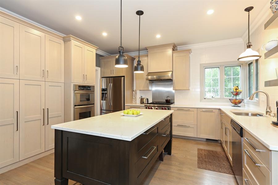 Real Estate Photography - 261 Walker Ave., Clarendon Hills, IL, 60514 - Kitchen