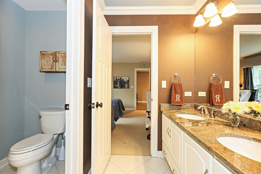 Real Estate Photography - 261 Walker Ave., Clarendon Hills, IL, 60514 - Jack and Jill Bathroom