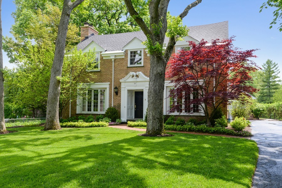 Real Estate Photography - 110 Glenwood, Winnetka, IL, 60093 - Front View
