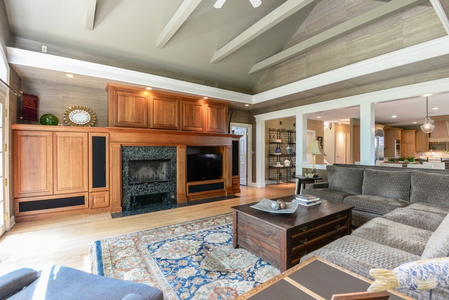 Real Estate Photography - 110 Glenwood, Winnetka, IL, 60093 - Family Room / Kitchen