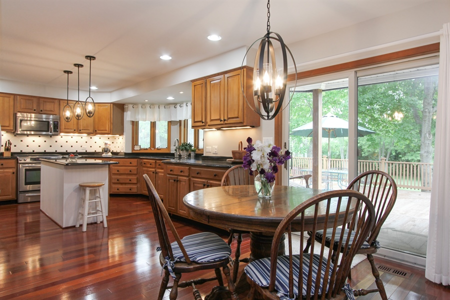 Real Estate Photography - 2 Conesus Ct, Hawthorn Woods, IL, 60047 - Kitchen