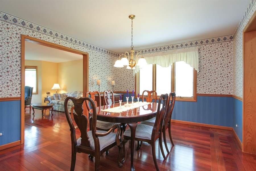 Real Estate Photography - 2 Conesus Ct, Hawthorn Woods, IL, 60047 - Dining Room