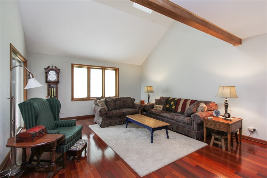 Real Estate Photography - 2 Conesus Ct, Hawthorn Woods, IL, 60047 - Family Room