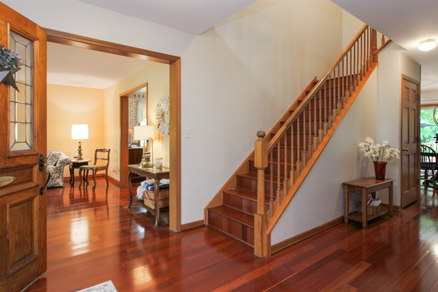 Real Estate Photography - 2 Conesus Ct, Hawthorn Woods, IL, 60047 - Foyer