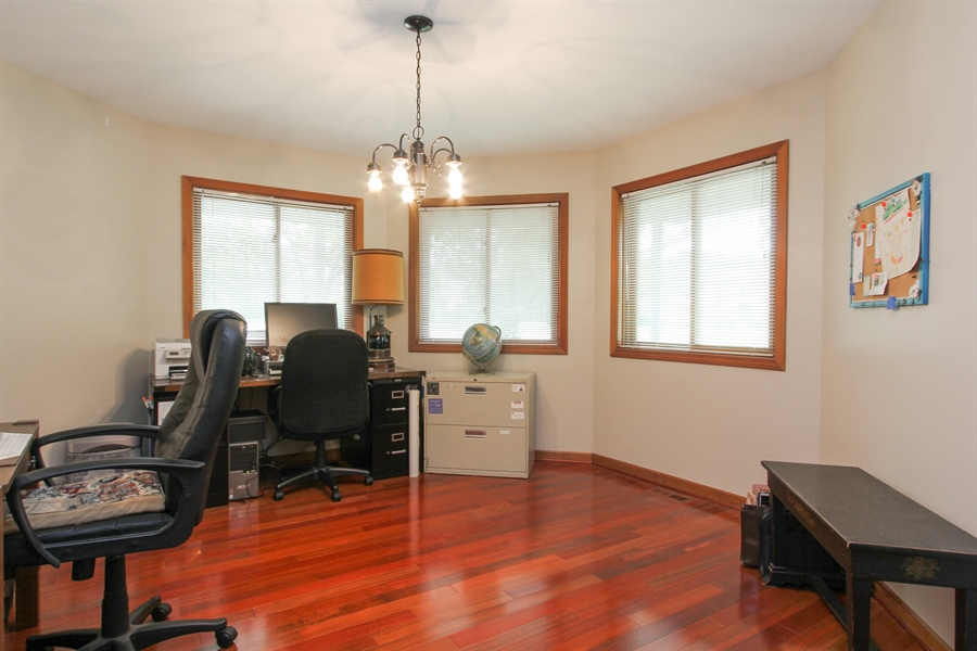 Real Estate Photography - 2 Conesus Ct, Hawthorn Woods, IL, 60047 - Office