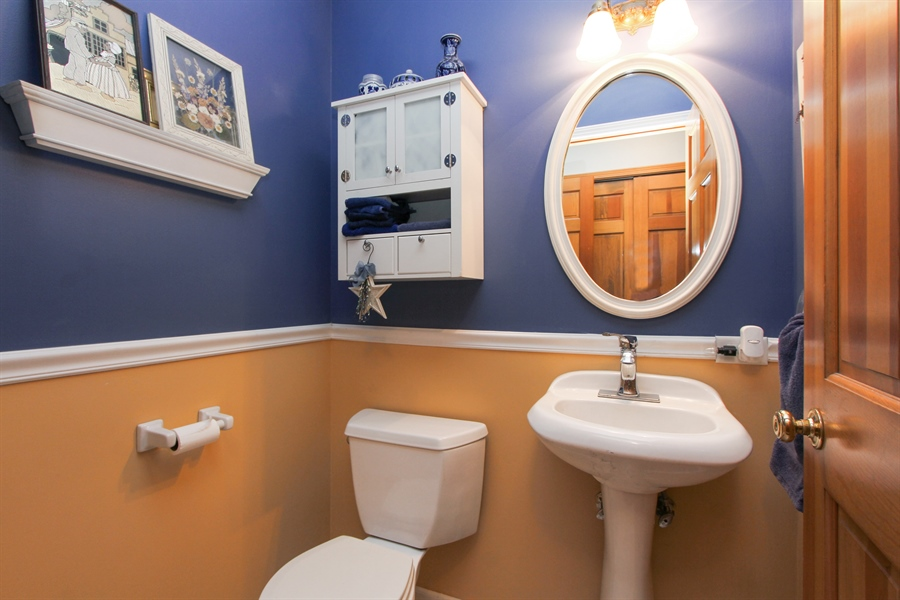 Real Estate Photography - 2 Conesus Ct, Hawthorn Woods, IL, 60047 - Bathroom
