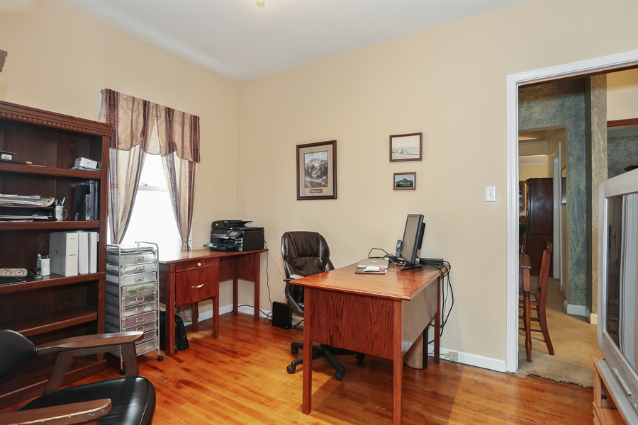 Real Estate Photography - 118 N. Monroe St., Hinsdale, IL, 60521 - Office