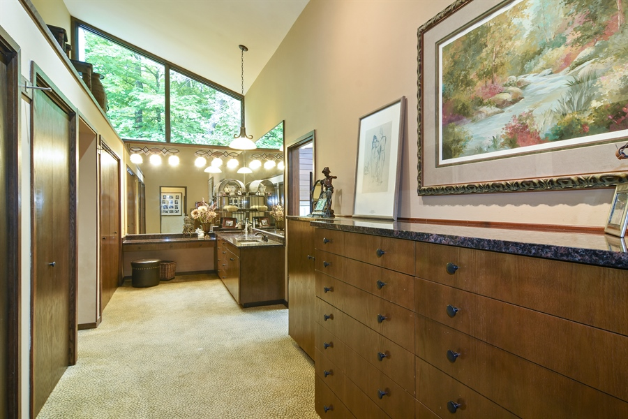 Real Estate Photography - 610 JUNEBERRY RD, RIVERWOODS, IL, 60015 - Master Bedroom Closet