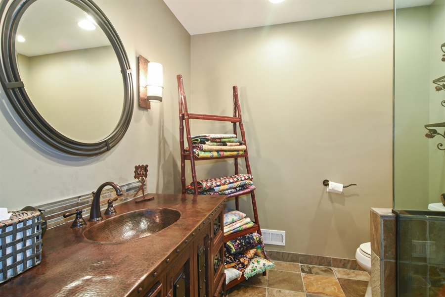 Real Estate Photography - 610 JUNEBERRY RD, RIVERWOODS, IL, 60015 - Bathroom