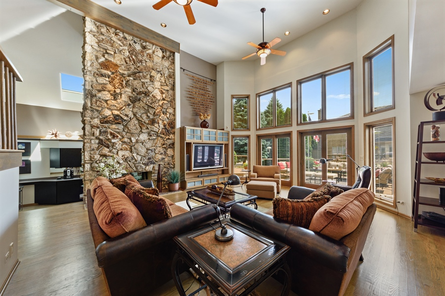 Real Estate Photography - 215 E Ryan Ct, Arlington Heights, IL, 60005 - Family Room