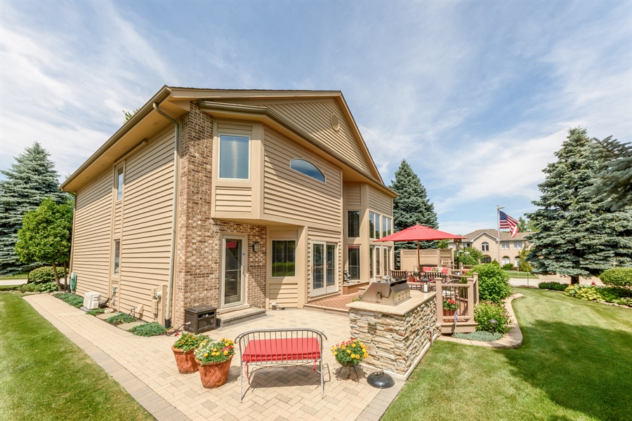 Real Estate Photography - 215 E Ryan Ct, Arlington Heights, IL, 60005 - Rear View