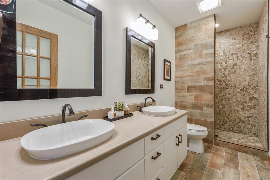 Real Estate Photography - 215 E Ryan Ct, Arlington Heights, IL, 60005 - 2nd Bathroom