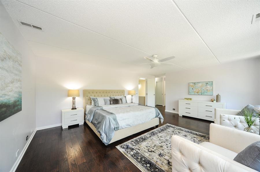 Real Estate Photography - 118 Wellington, Northbrook, IL, 60062 - Master Bathroom