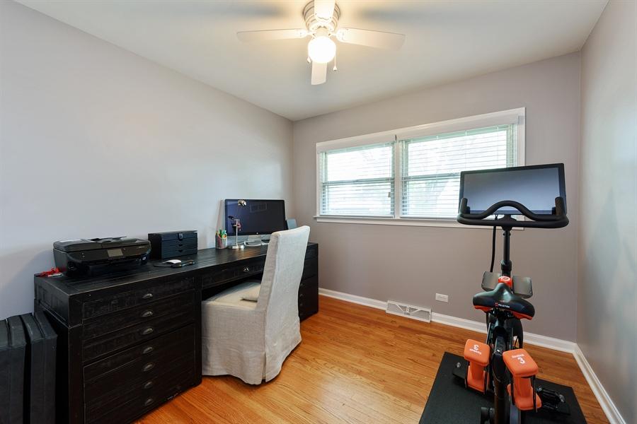 Real Estate Photography - 2148 Eastview Dr, Des Plaines, IL, 60018 - 3rd Bedroom