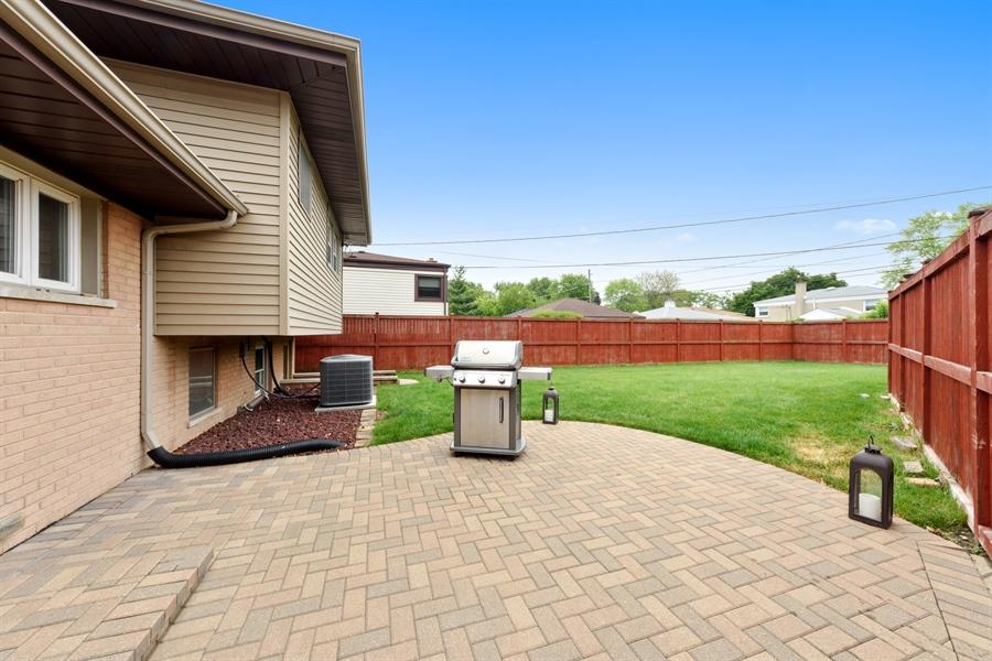 Real Estate Photography - 2148 Eastview Dr, Des Plaines, IL, 60018 - Rear View