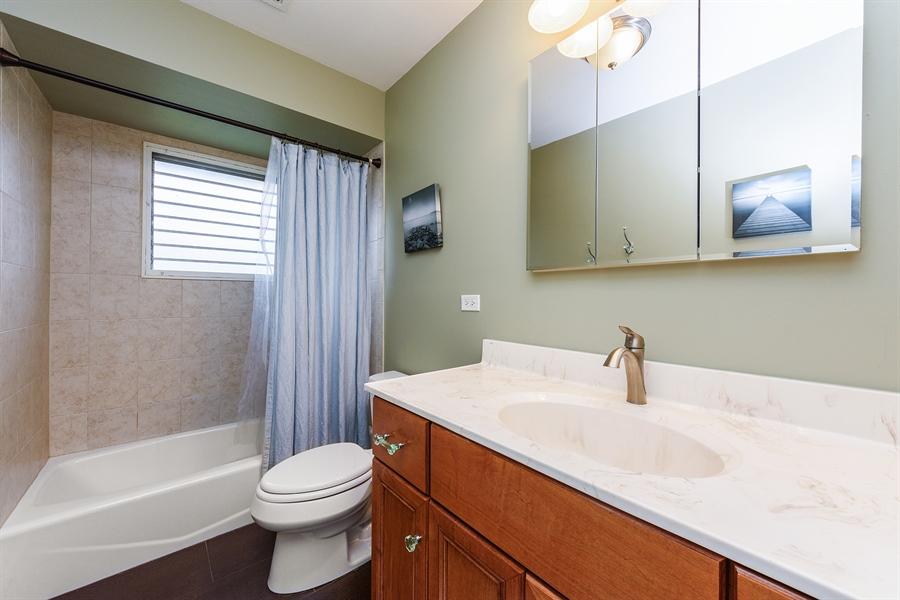 Real Estate Photography - 2148 Eastview Dr, Des Plaines, IL, 60018 - 2nd Bathroom