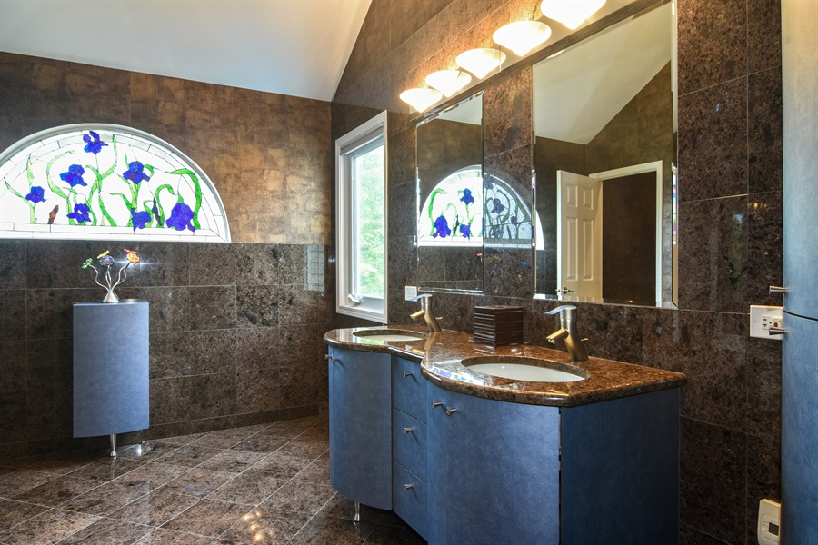 Real Estate Photography - 1237 Eric Lane, Lake Zurich, IL, 60047 - Master Bathroom