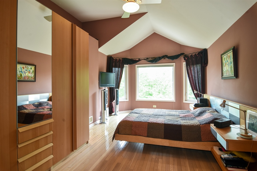Real Estate Photography - 1237 Eric Lane, Lake Zurich, IL, 60047 - Master Bedroom