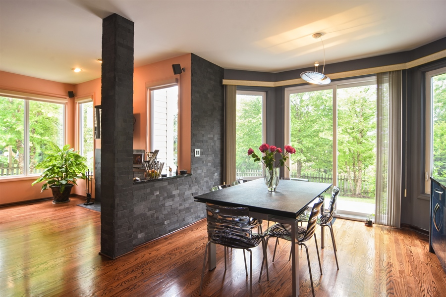 Real Estate Photography - 1237 Eric Lane, Lake Zurich, IL, 60047 - Breakfast Nook