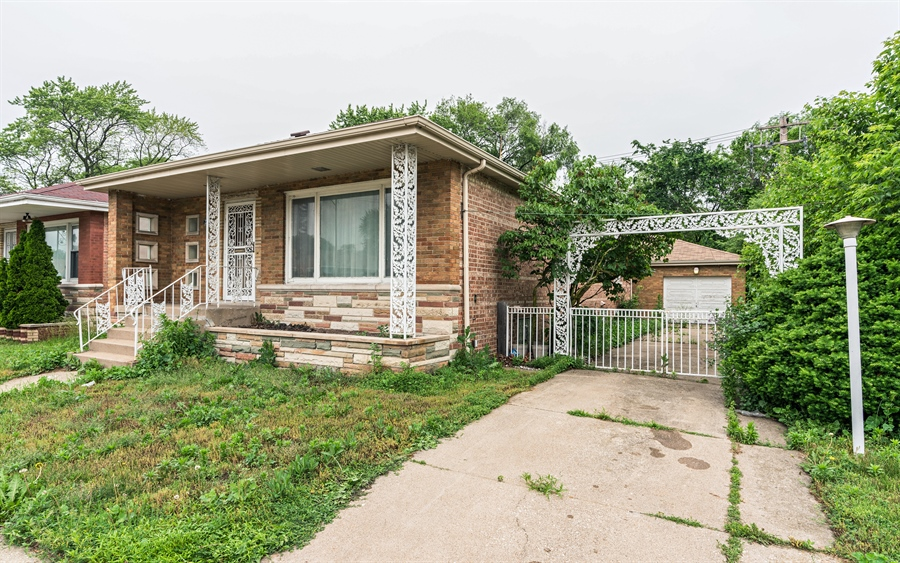 Real Estate Photography - 2348 E 83rd, Chicago, IL, 60617 - Front View