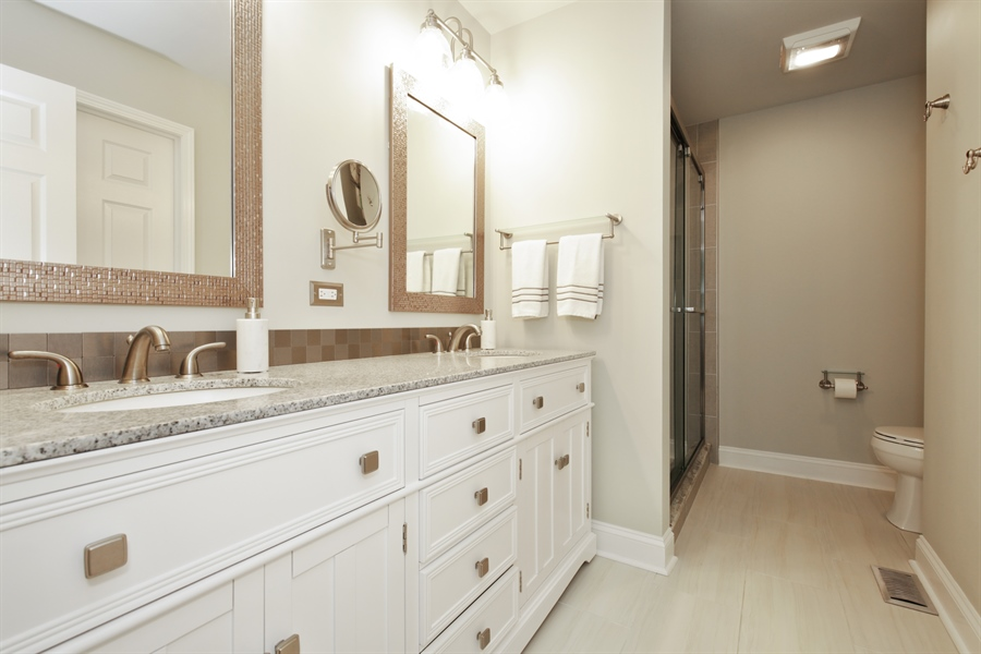 Real Estate Photography - 2000 S Valley Rd, Lombard, IL, 60148 - Master Bathroom
