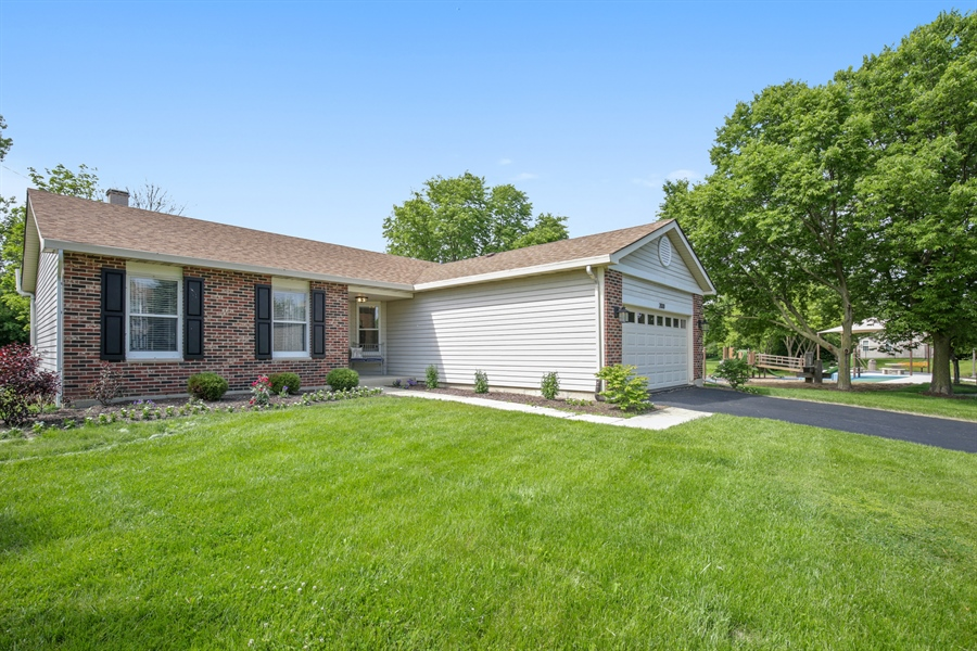 Real Estate Photography - 2000 S Valley Rd, Lombard, IL, 60148 - Front View
