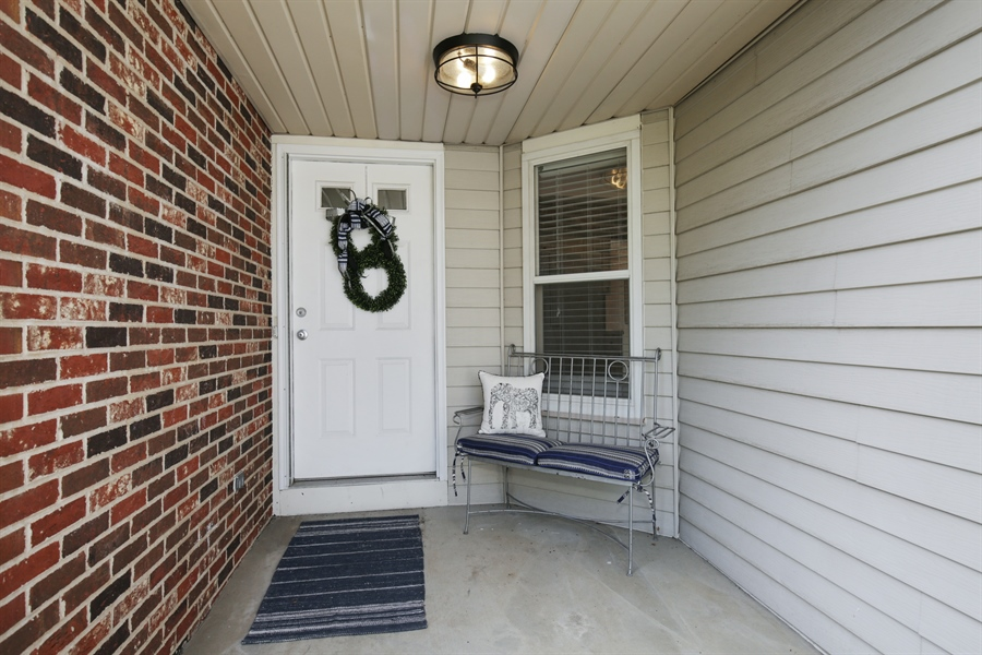 Real Estate Photography - 2000 S Valley Rd, Lombard, IL, 60148 - Porch
