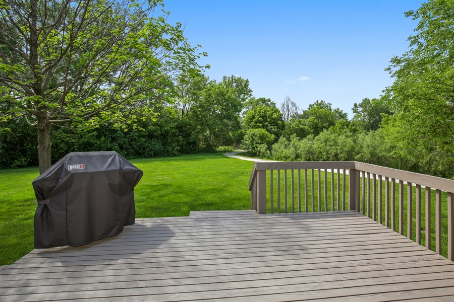 Real Estate Photography - 2000 S Valley Rd, Lombard, IL, 60148 - Deck