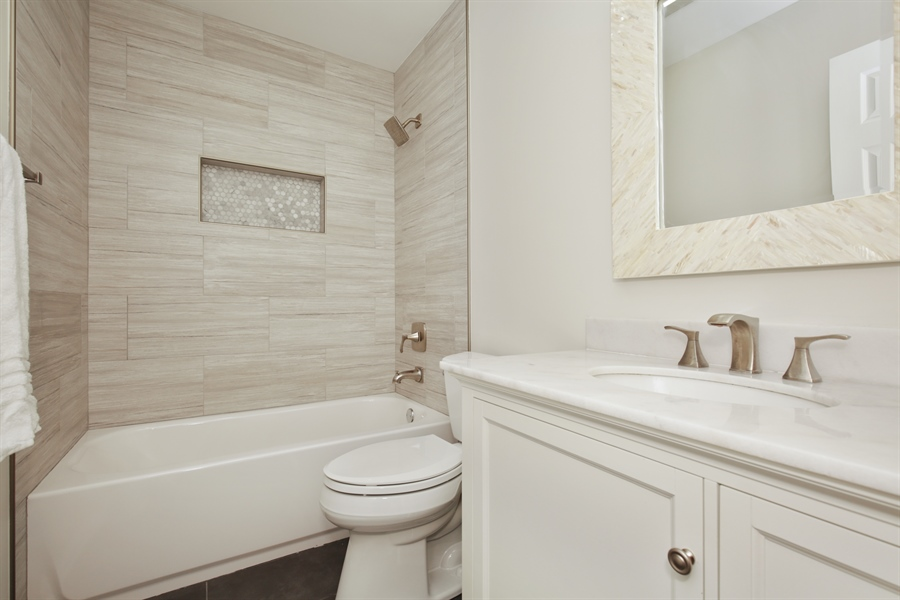 Real Estate Photography - 2000 S Valley Rd, Lombard, IL, 60148 - Bathroom
