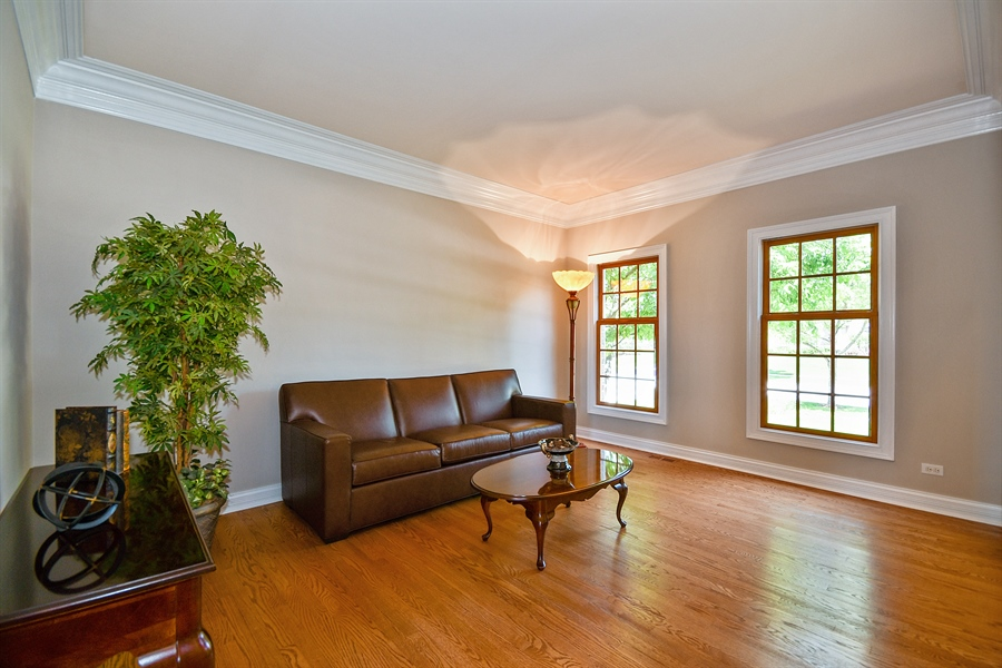 Real Estate Photography - 4135 River Ridge Dr, St Charles, IL, 60175 - Living Room
