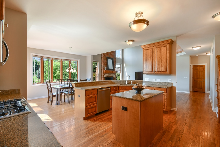Real Estate Photography - 4135 River Ridge Dr, St Charles, IL, 60175 - Kitchen