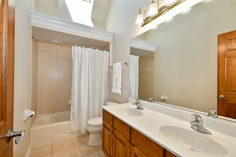 Real Estate Photography - 4135 River Ridge Dr, St Charles, IL, 60175 - 2nd Bathroom