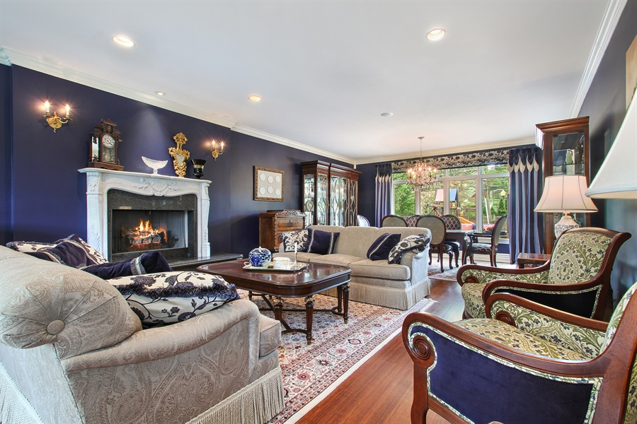 Real Estate Photography - 906 Queens, Glenview, IL, 60025 - Living Room