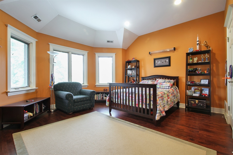 Real Estate Photography - 906 Queens, Glenview, IL, 60025 - Additional Bedroom