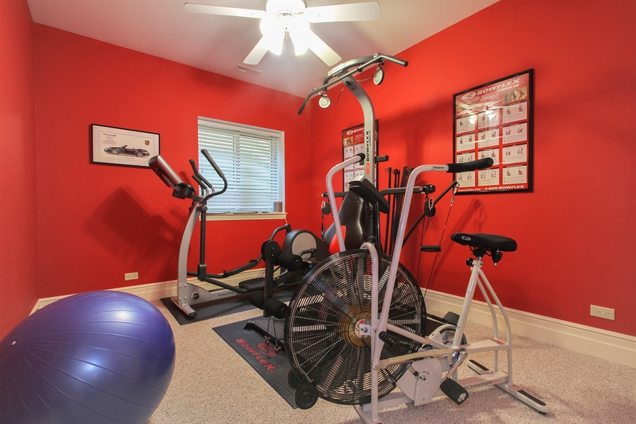 Real Estate Photography - 906 Queens, Glenview, IL, 60025 - Exercise Room