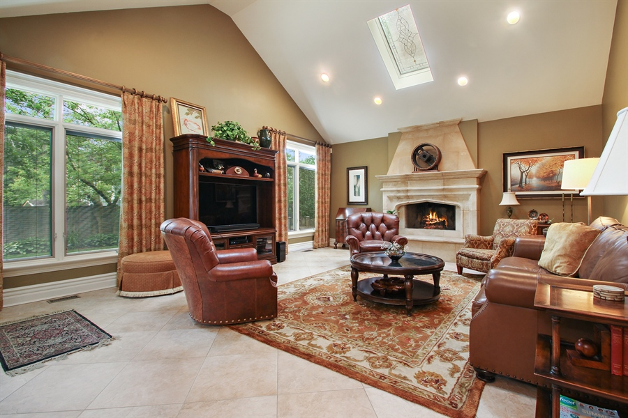 Real Estate Photography - 906 Queens, Glenview, IL, 60025 - Family Room