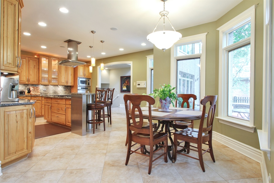 Real Estate Photography - 906 Queens, Glenview, IL, 60025 - Breakfast Area