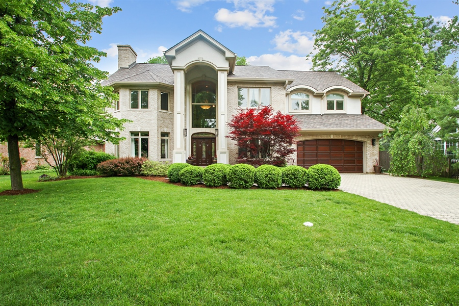 Real Estate Photography - 906 Queens, Glenview, IL, 60025 - Front View