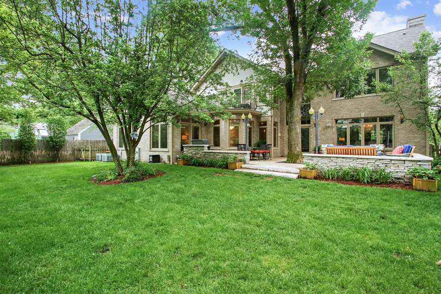 Real Estate Photography - 906 Queens, Glenview, IL, 60025 - Rear View
