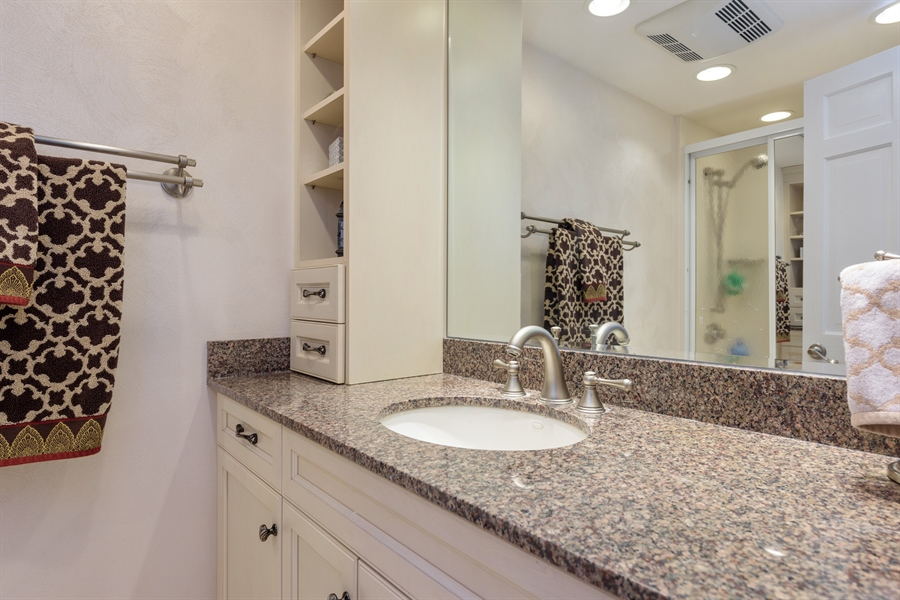 Real Estate Photography - 3219 MARY KAY, GLENVIEW, IL, 60026 - 2nd Bathroom
